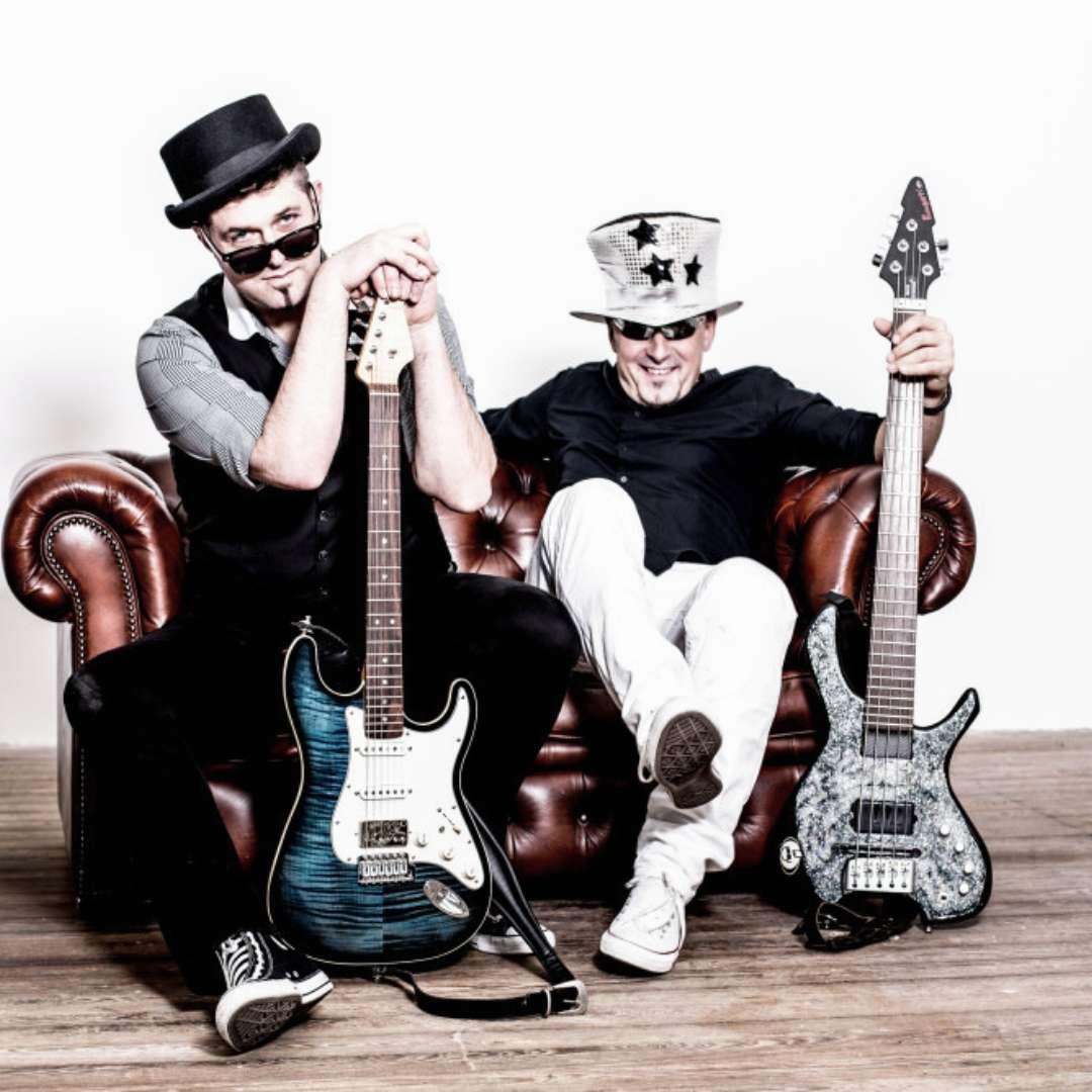 Bass & Gitarre - Luxusband Shooting
